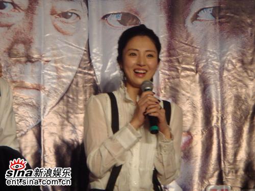 董璇出席《汉江怪物》首映称心中鬼怪如黄辣丁