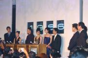 组图:《2046》上海轻歌曼舞20:46鸣笛启程