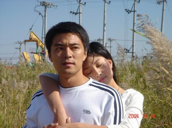 《红飘带》诠释纯朴爱情观牛青峰相信纯美爱情