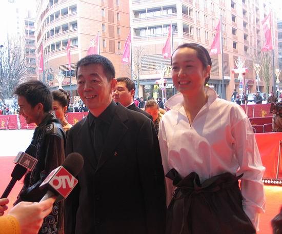 图文:《孔雀》主创亮相红地毯-顾长卫和蒋雯丽