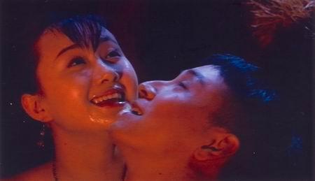 黄健中《银饰》继续裸露尺度超过《大鸿米店》