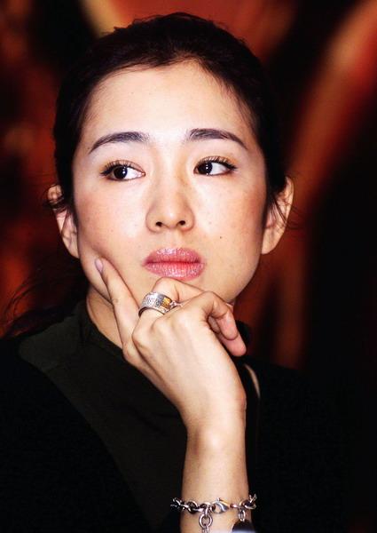 巩俐:第一位获得国际大奖的内地女演员