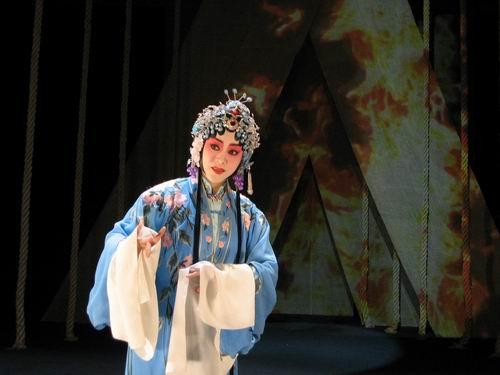 京剧名家李佩红首次触电出演《春闺梦》(附图)