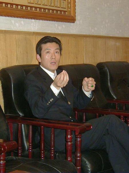 组图:《青花》受大学生欢迎杨子称不是在玩票