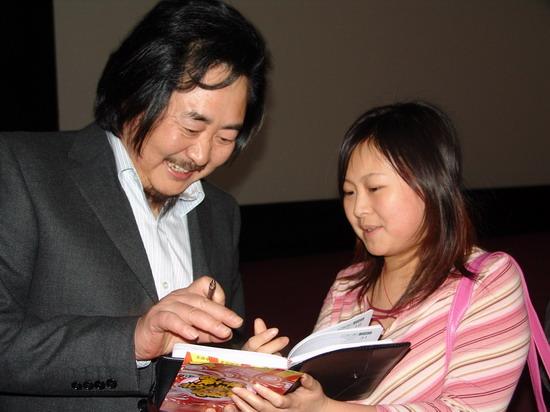 《沉默的远山》引爆北京大学生电影节(组图)