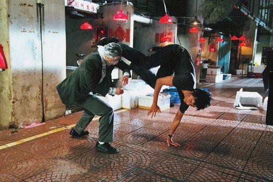 《三岔口》上映在即郭富城吴彦祖闹市蒙头对打