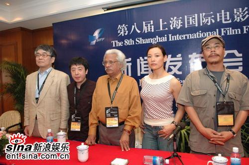 组图:贾樟柯陈冲出席亚洲新人奖评委记者见面会