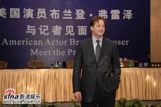 组图:好莱坞当红影星布兰登-弗雷泽亮相上海