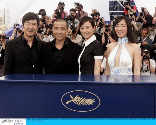 娄烨/《颐和园》主创:郭晓冬、导演娄烨、郝蕾、胡伶(左起)