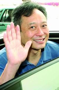 李安抵达上海将担任上海国际电影节嘉宾