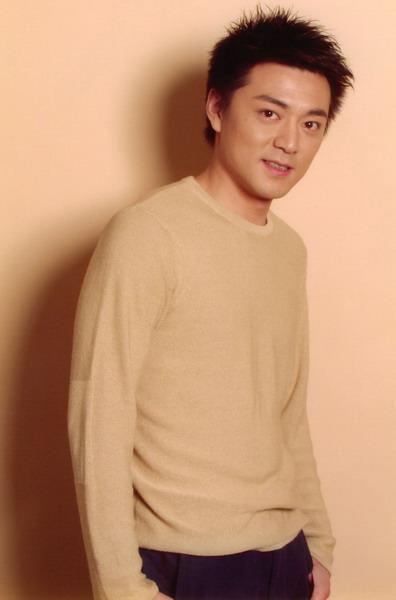 牛青峰演绎《爱的是你》成真爱是不能放弃的