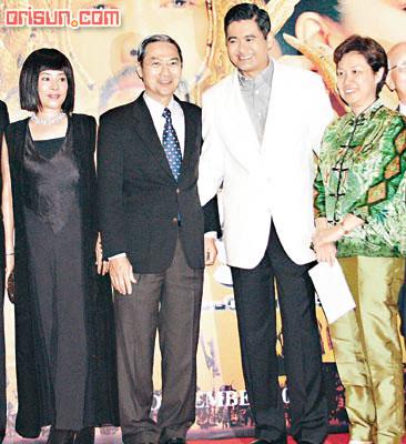 周润发自封新加坡王子各种族影迷夹道欢迎(图)