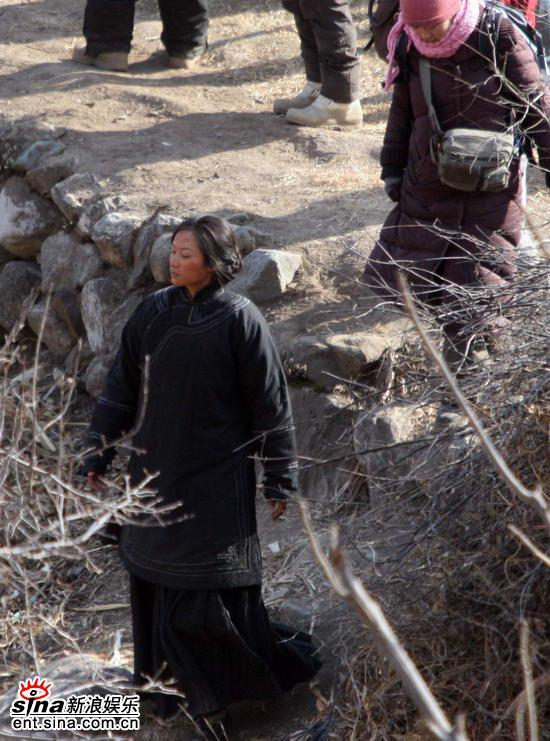 《刺马》剧组与村民发生摩擦警方介入调查(图)