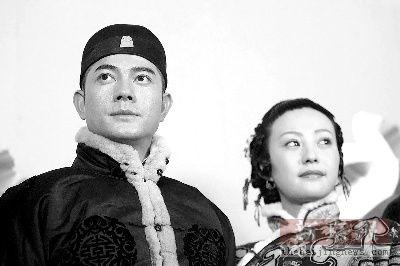"""《白银帝国》还原片场郭富城窃喜""""光头""""造型"""