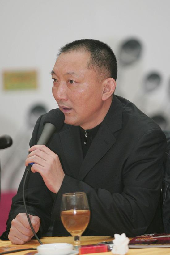 组图:中国电影冲奥论坛《无极》踌躇满志