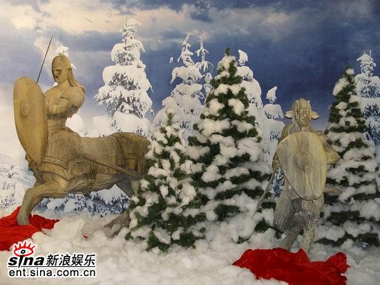 组图:《纳尼亚传奇》登陆上海商场内展览道具