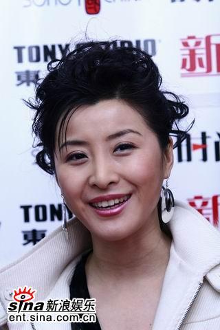 新浪娱乐独家对话《理发师》女配王雅捷(组图)