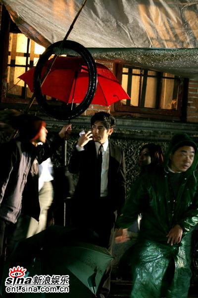 《夜上海》遭遇上海连雨天杀青被迫拖后(组图)