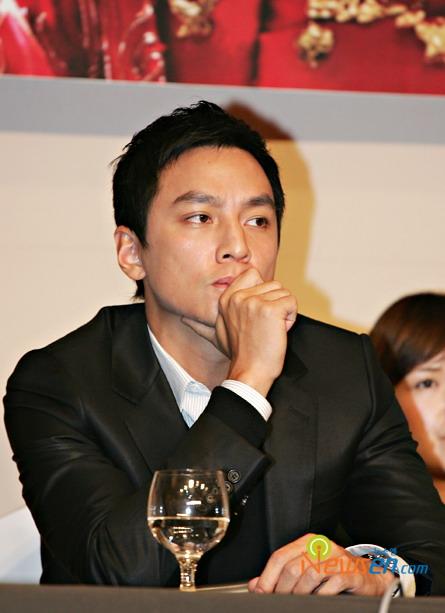 组图:《夜宴》韩国记者会章子怡吴彦祖成焦点