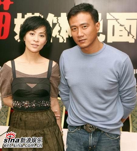 刘嘉玲宣传《好奇害死猫》散发成熟魅力(组图