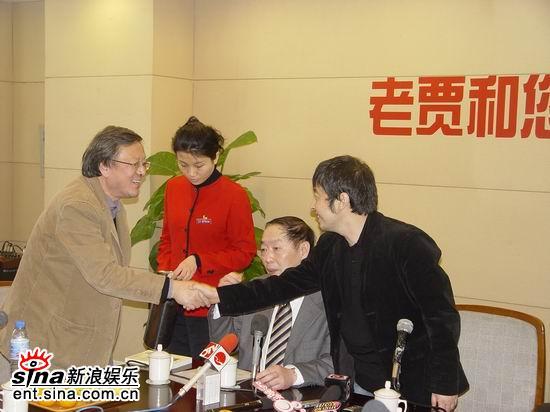 贾樟柯上海举行《三峡好人》媒体见面会(组图)