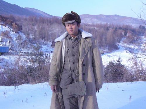 邓超战场拼命患流感坚持拍摄《集结号》(组图)