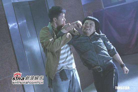 组图:吴京拍《双子神偷》首次用武力对付女人