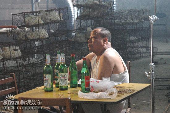 尹力变身地头蛇受尽《刘跃进》剧组虐待(组图)