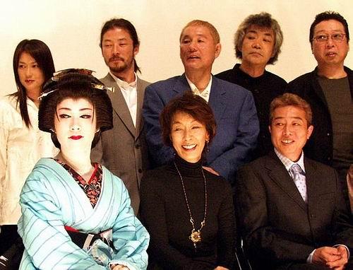 组图:获最佳导演奖北野武《座头市》日本首映