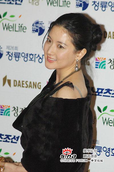 11月30日最美女星:李英爱韩国电影青龙奖封后