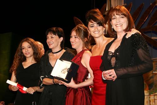 快讯:最佳女主角由《回归》六位女星获得