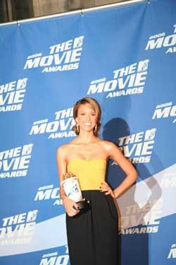 年度MTV电影奖昨颁出《断背山》被评吻得最好