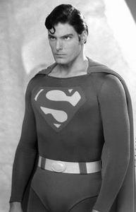 《超人归来》票房喜忧参半160分钟致场次减少