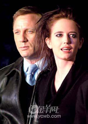 《皇家赌场》北京举行了首映007首次杀到中国