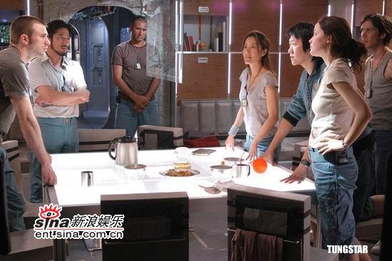 《太阳倒数》4月上映杨紫琼联手真田广之(图)