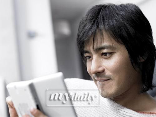 张东健被评为韩国布拉德-皮特李秉宪排第二