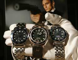 007佩戴的手表将拍卖每款能拍至10万美元(图)