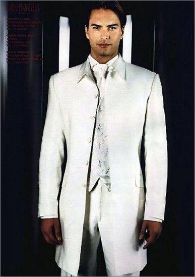 内裤男模特图片; 《终结者4》瑞典模特担纲 施瓦辛格出现30秒; 瑞典
