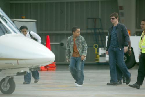 组图:克鲁斯携养子抵墨西哥宣传《碟中谍3》