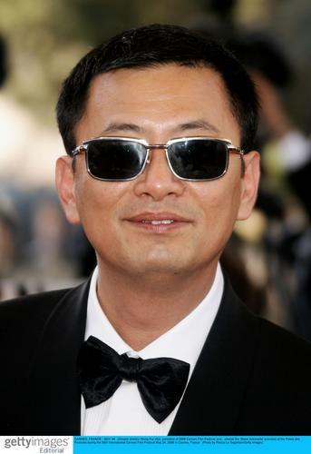 组图:《绝代艳后》戛纳首映王家卫章子怡捧场