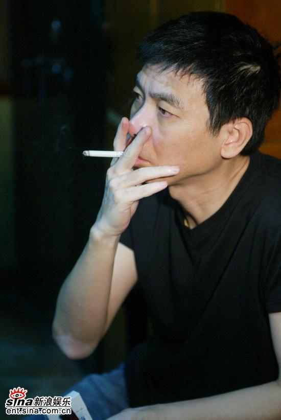 独家组图:冯小刚为《丛林》献处女声演绎笨熊