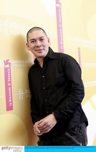 组图:《黑眼圈》记者会台湾导演蔡明亮出席