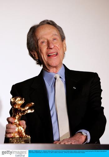 组图:阿瑟-佩恩获第57届柏林电影节终生成就奖