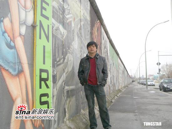 组图:柏林影展外国影迷为《落叶归根》抱不平