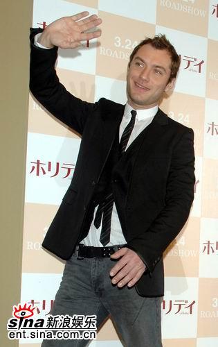 组图:《恋爱假期》东京宣传裘德洛卡梅隆亮相