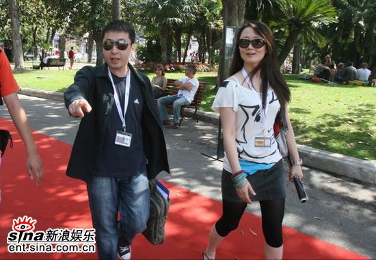 组图:《三峡好人》将庆功贾樟柯现身赵涛助阵