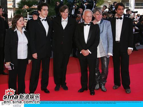 图文:戛纳电影节闭幕摄影师杜可风等著名影人