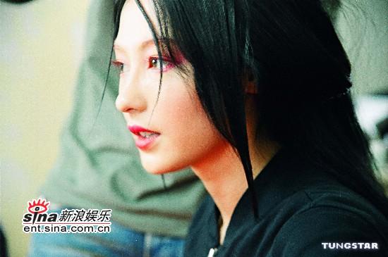 图文:张柏芝《无极》绝美造型全曝光-黑衣