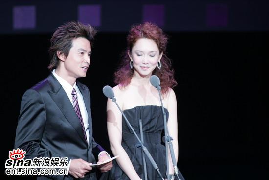 图文:台湾金马奖颁奖礼--情侣李铭顺和范文芳