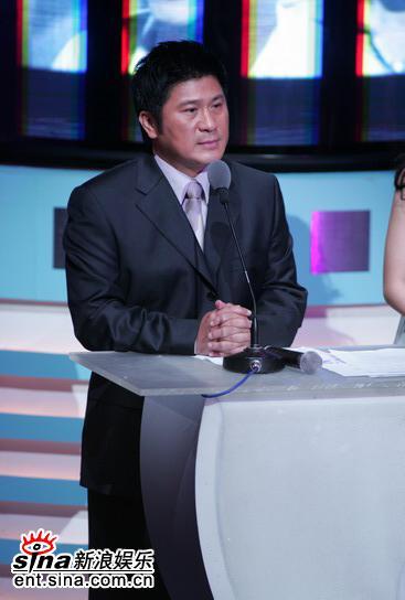 图文:台湾电影金马奖颁奖典礼--胡瓜西装亮相